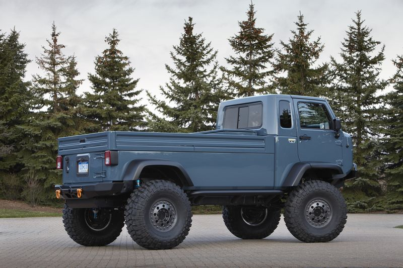 Jeep Mighty FC Concept rear quarter